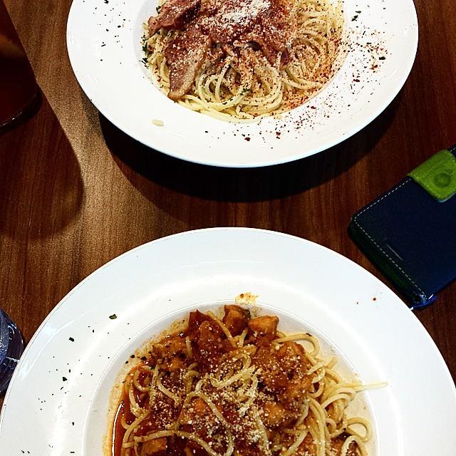 Duck Breast Aglio Olio and Salmon Pasta